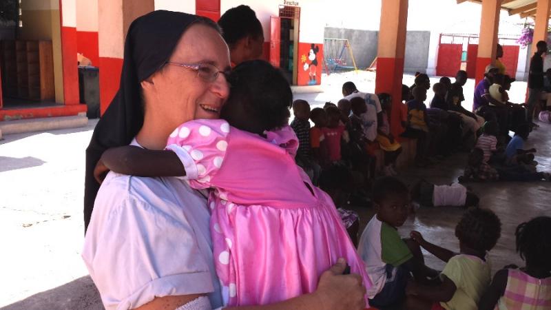 Suor Marcella Haiti Albero della Vita