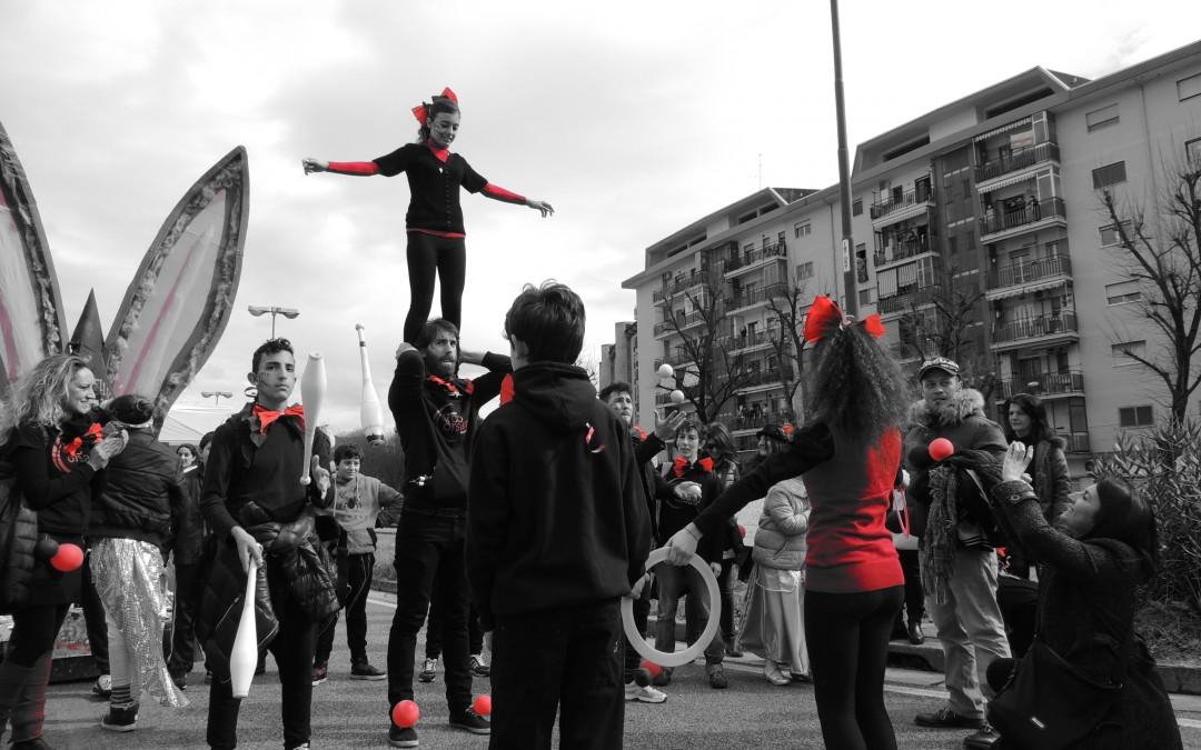 A Scampia, il Circo sociale «sfratta» il disagio e l'esclusione