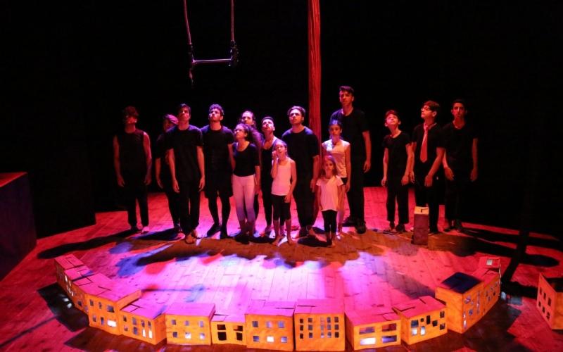 """In scena lo spettacolo di Scuola di Circo Corsaro: """"Box, riflessioni sul diritto alla bellezza"""""""