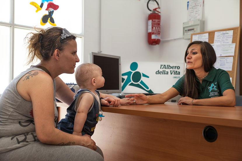 Povertà minorile in Italia Albero della Vita