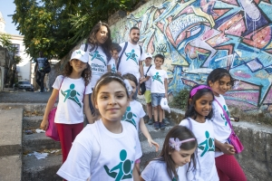 Bambini del Progetto Varcare la Soglia contro la povertà in Italia