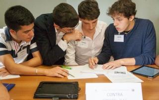 Debate education, confronto e dialogo per i cittadini di domani