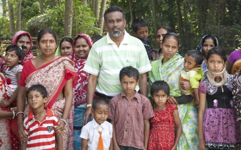 Fisioterapia per i bambini disabili in India