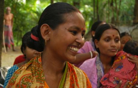 Acqua potabile e servizi igienici per i bambini dell'India