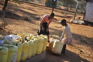 Taniche di raccolta Acqua in Kenya