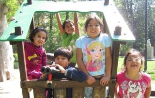 Linklaters con i Bambini di Varcare la Soglia al parco