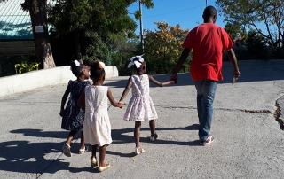 Epsy è ammessa alla scuola primaria ad Haiti