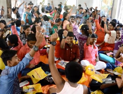 """Missione compiuta, i regali sono arrivati """"puntuali"""" in India"""