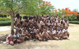 giovani della baraccopoli haitiana